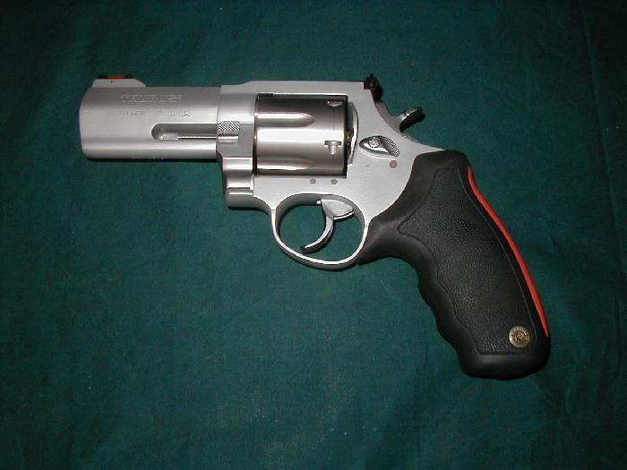 taurus 44 magnum revolver. Taurus M44 Ultra Lite Titanium