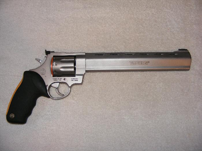 MODEL 941 . 22 MAG . REVOLVER IN MATTE STAINLESS STEEL