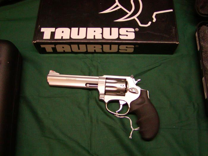 Taurus 941 Ultralite Revolver .22 Mag 2in 8rd Stainless