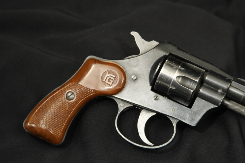 RG Indistries - Model 23 .22 LR Double Action Revovler - Picture 2