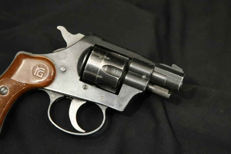 RG Indistries - Model 23 .22 LR Double Action Revovler - Picture 3