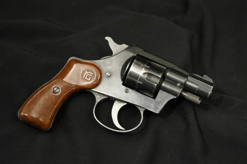 RG Indistries - Model 23 .22 LR Double Action Revovler - Picture 1
